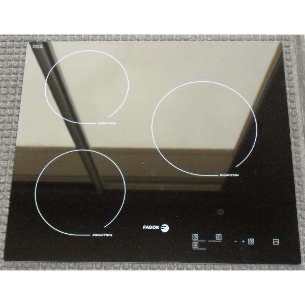 table cuisson vitro trouvez le meilleur prix sur voir avant d 39 acheter. Black Bedroom Furniture Sets. Home Design Ideas
